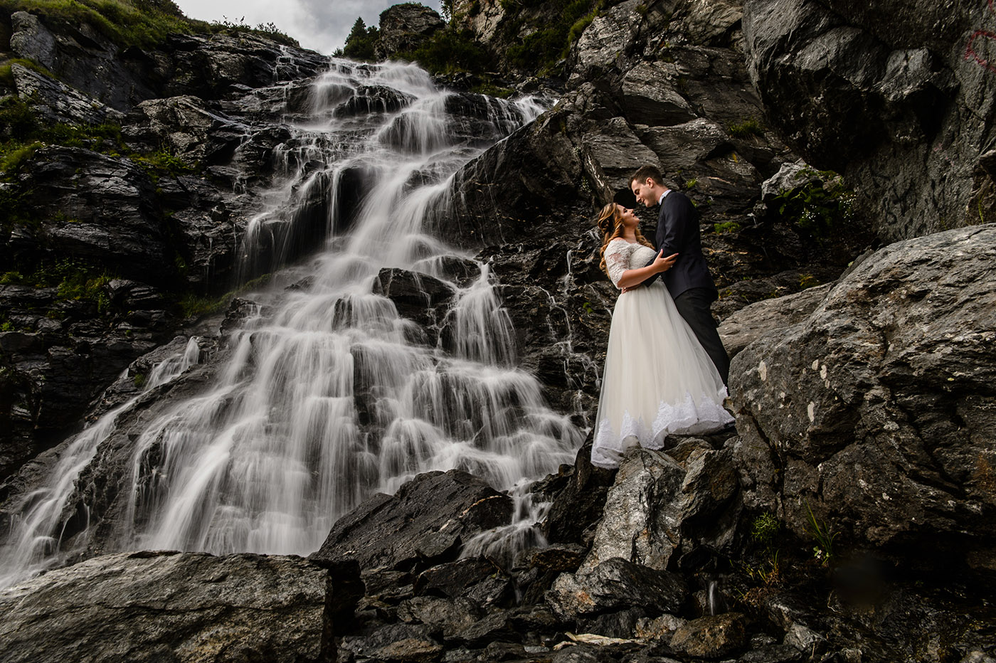 Sedinta foto cascada Balea Lac Trash the Dress